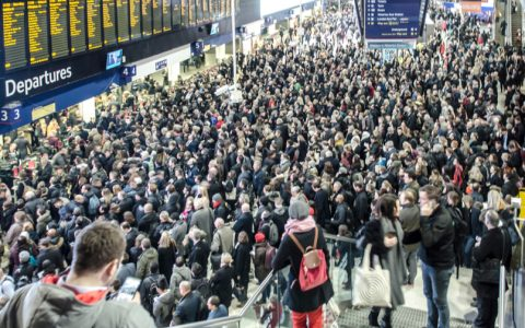 Rail passengers lose at least 3.6 million hours to delays